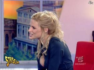 Michelle Hunziker dans Striscia la Notizia - 19/01/08 - 13