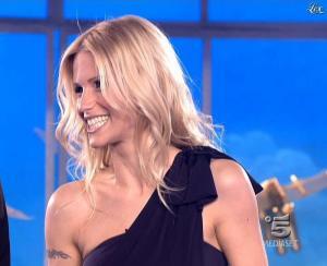 Michelle Hunziker dans Striscia la Notizia - 21/03/09 - 07
