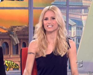 Michelle Hunziker dans Striscia la Notizia - 21/03/09 - 09