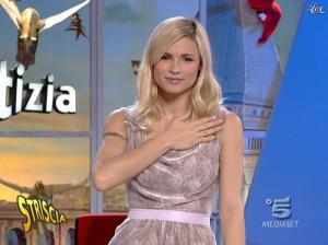 Michelle Hunziker dans Striscia la Notizia - 21/11/06 - 03