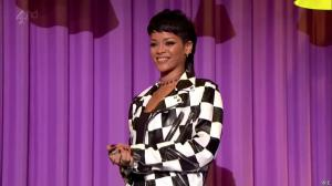 Rihanna dans Alan Chatty Man - 27/09/13 - 01