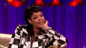 Rihanna dans Alan Chatty Man - 27/09/13 - 21