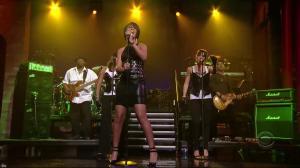 Rihanna dans David Letterman Show - 04/10/07 - 10