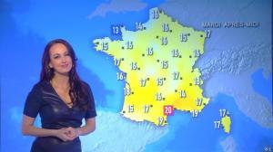 Alexandra Blanc à la Météo de i>Télé - 13/03/17 - 02