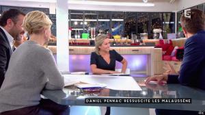 Anne-Elisabeth Lemoine dans C à Vous - 23/01/17 - 05
