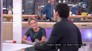 Anne-Sophie Lapix dans C à Vous - 12/01/17 - 17