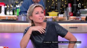 Anne-Sophie Lapix dans C à Vous - 12/01/17 - 22
