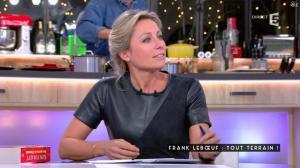Anne-Sophie Lapix dans C à Vous - 12/01/17 - 31