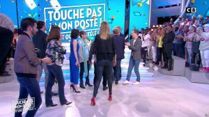 Caroline Ithurbide dans Touche pas à mon Poste - 02/06/17 - 15