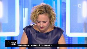 Caroline Roux dans C dans l'Air - 10/04/17 - 03