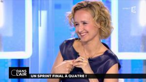Caroline Roux dans C dans l'Air - 10/04/17 - 42