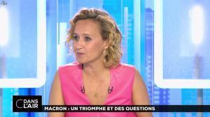 Caroline Roux dans C dans l'Air - 12/06/17 - 58