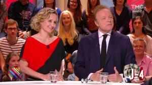 Caroline Roux dans Quotidien - 19/04/17 - 12