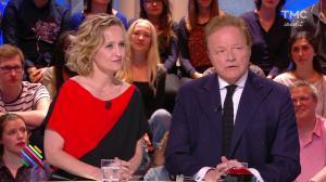 Caroline Roux dans Quotidien - 19/04/17 - 15