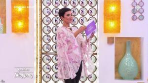 Cristina Cordula dans les Reines du Shopping - 28/04/17 - 06