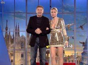 Michelle Hunziker dans Striscia la Notizia - 31/10/06 - 26