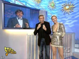 Michelle Hunziker dans Striscia la Notizia - 31/10/06 - 46