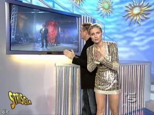 Michelle Hunziker dans Striscia la Notizia - 31/10/06 - 51