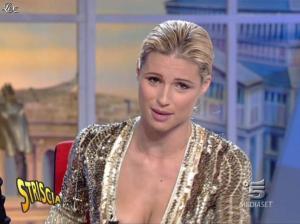 Michelle Hunziker dans Striscia la Notizia - 31/10/06 - 67