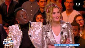 Camille Lou dans Touche pas à mon Poste - 20/11/17 - 17