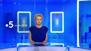 Caroline Roux dans une Bande-Annonce de C dans l'Air - 28/03/18 - 01