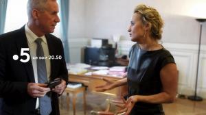 Caroline Roux dans une Bande-Annonce de C dans l'Air - 28/03/18 - 02