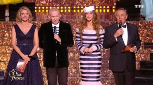 Iris Mittenaere dans Election de Miss France - 16/12/17 - 04