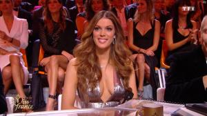 Iris Mittenaere dans Election de Miss France - 16/12/17 - 07
