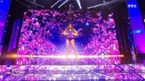 Iris Mittenaere dans Election de Miss France - 16/12/17 - 10