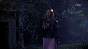 Sarah Michelle Gellar dans Buffy Contre les Vampires - 05/07/17 - 01