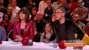 Sylvie Noachovitch dans c'est Que de la Télé - 20/12/17 - 02