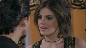 Camila Queiroz dans une Bande-Annonce de Verao 90 - 28/03/19 - 03