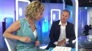 Caroline Roux dans Facebook de C dans l'Air - 12/04/17 - 03
