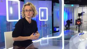 Caroline Roux dans Facebook de C dans l'Air - 15/11/16 - 02