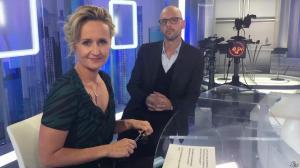 Caroline Roux dans Facebook de C dans l'Air - 27/09/16 - 01