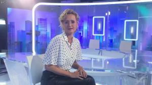 Caroline Roux dans Facebook de C dans l'Air - 28/09/16 - 02