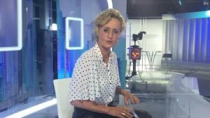 Caroline Roux dans Facebook de C dans l'Air - 28/09/16 - 04