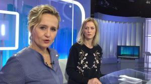 Caroline Roux dans Facebook de C dans l'Air - 30/01/18 - 02