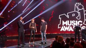 Louane dans les NRJ Music Awards - 12/11/16 - 05