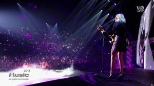 Louane dans M6 Music les 20 Ans - 02/10/18 - 03