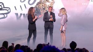 Louane dans NRJ Music Awards - 10/11/18 - 02