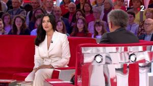 MoniÇa Bellucci dans Vivement Dimanche - 11/11/18 - 03