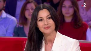 MoniÇa Bellucci dans Vivement Dimanche - 11/11/18 - 05