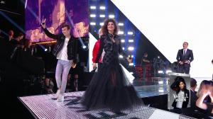 Nawell Madani dans les NRJ Music Awards - 04/11/17 - 01