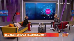 Ozge Uzun dans Ozge Uzun Ile Hafta Sonu - 30/12/18 - 16