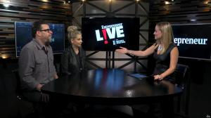 Sarah Michelle Gellar et Ashley Wehrley dans Entrepreneur Live - 15/11/17 - 01