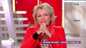 Sophie Davant dans C à Vous - 28/05/19 - 03