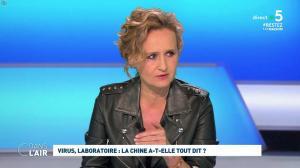Caroline Roux dans C dans l'Air - 21/04/20 - 02