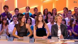 Elise-Chassaing--Ariane-Massenet--Le-Grand-Journal-De-Canal-Plus--19-03-10--4