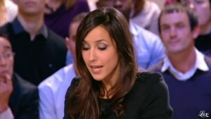 Elise Chassaing dans le Grand Journal De Canal Plus - 17/12/09 - 2